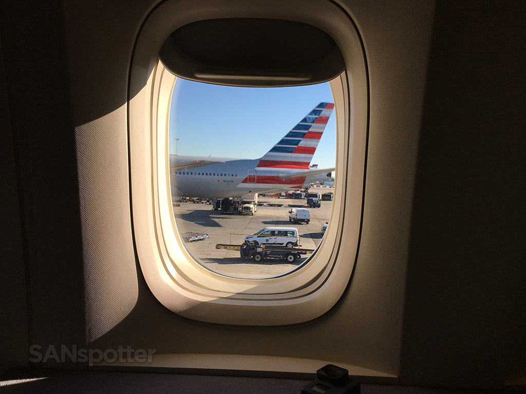 American Airlines arrival in Los Angeles