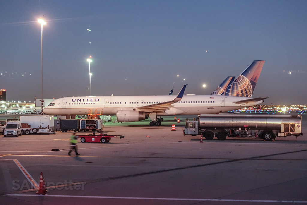 United Airlines 757–200 LAX