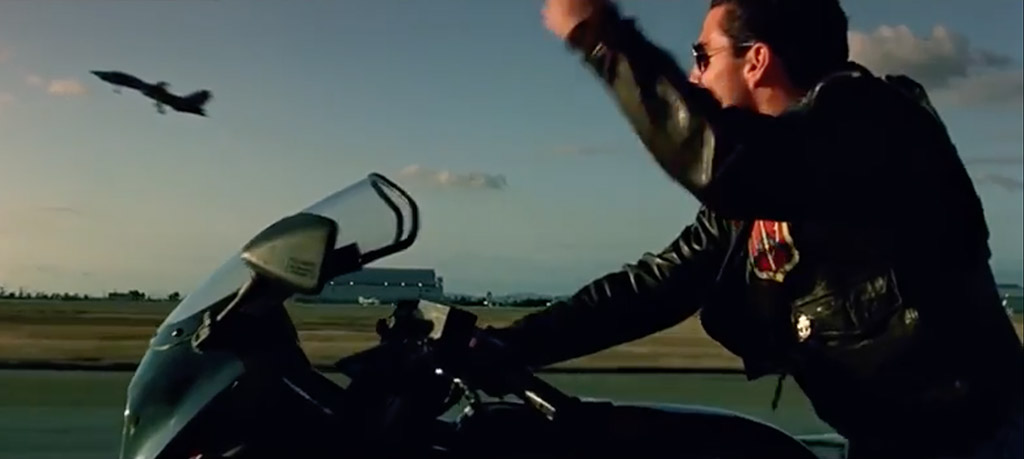 Tom Cruise Top Gun fist pump