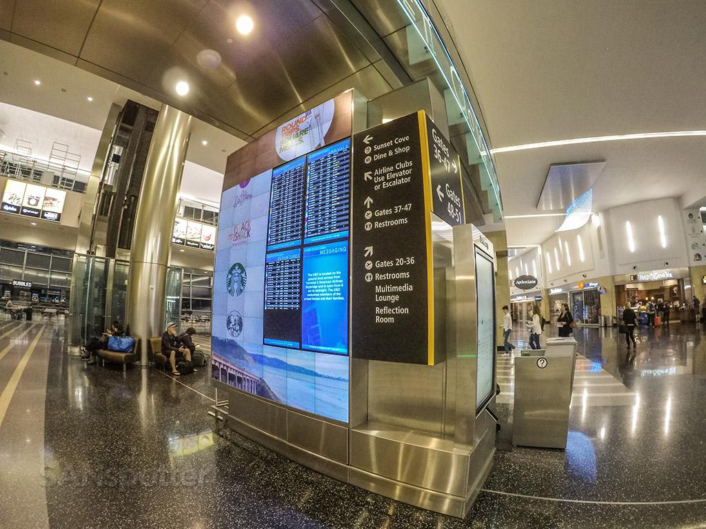 Terminal 2 west SAN interior