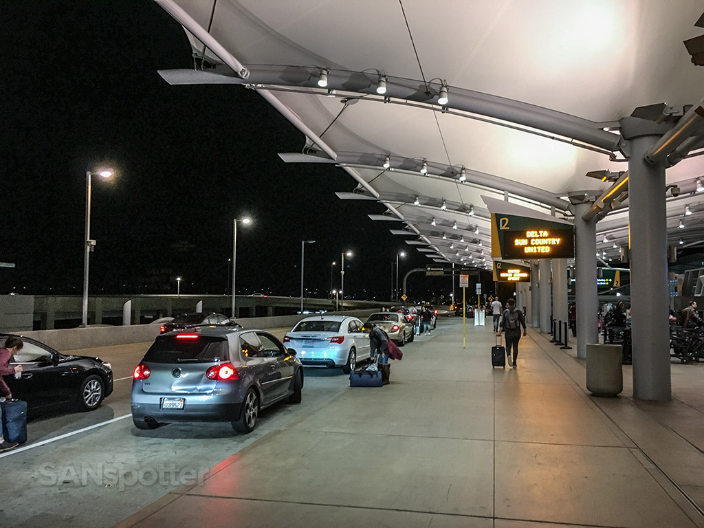 Terminal 2 departures SAN