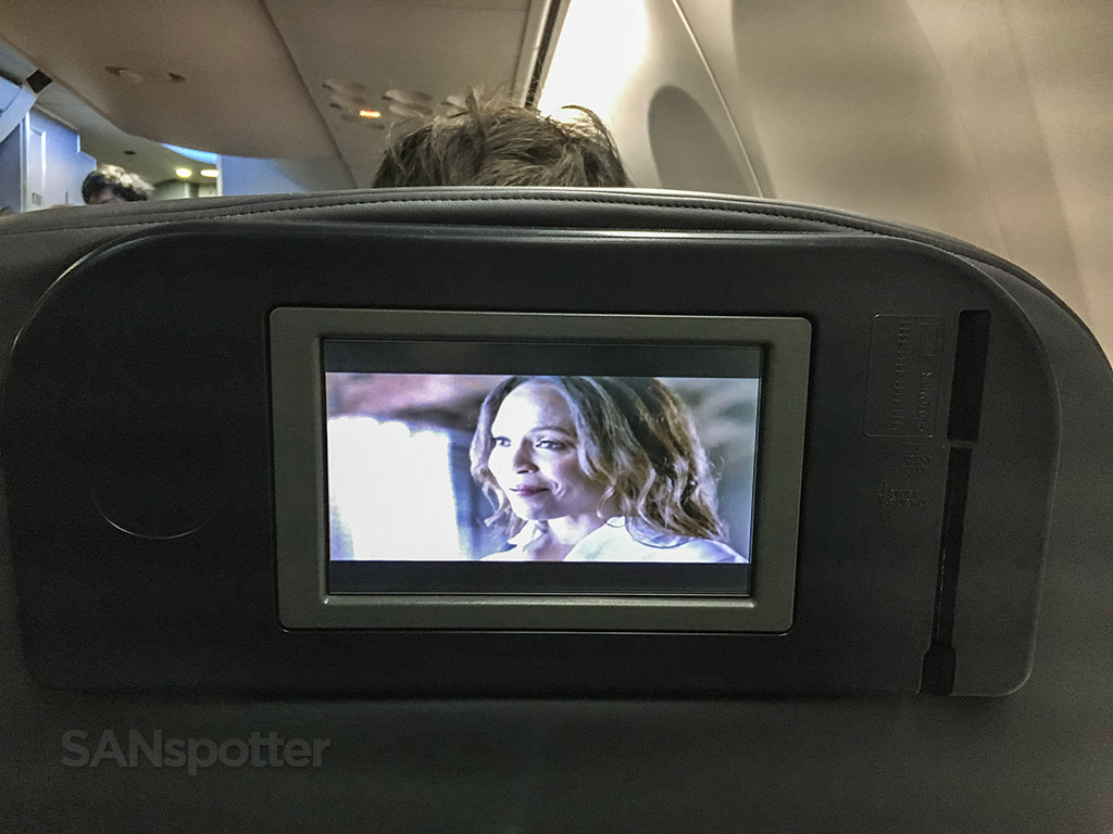 United 737-900/Er first class video entertainment