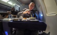 SANspotter selfie United Airlines 757–200 business class