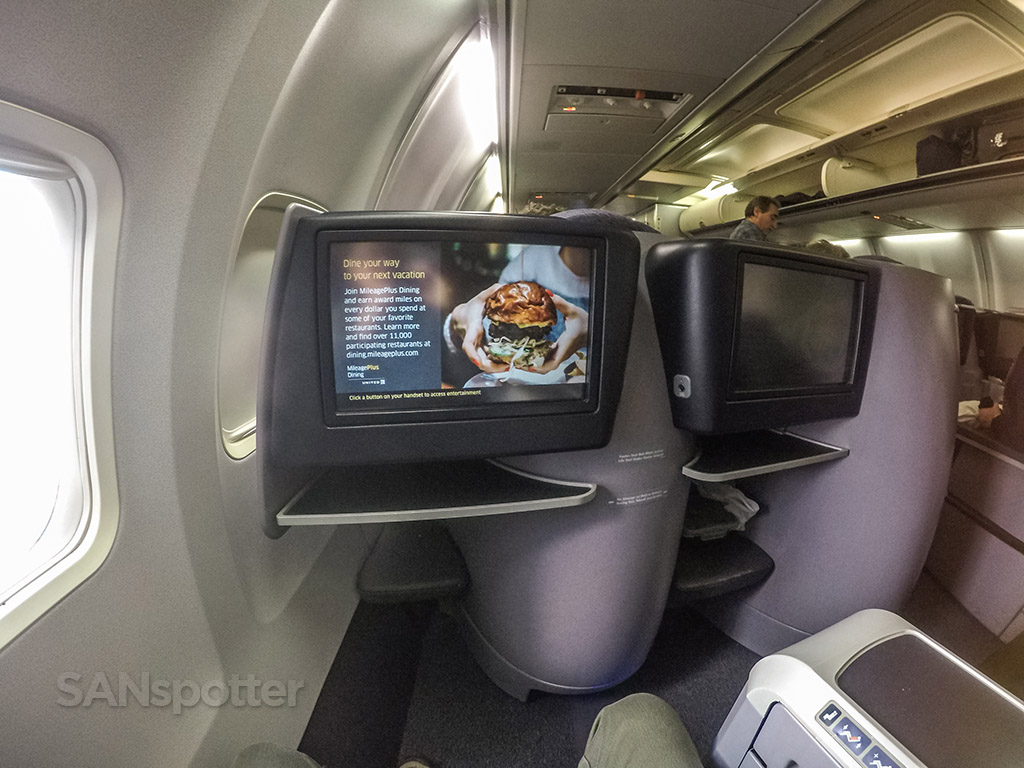 United Airlines 757-200 Premium Business Class (P.S.) video screens