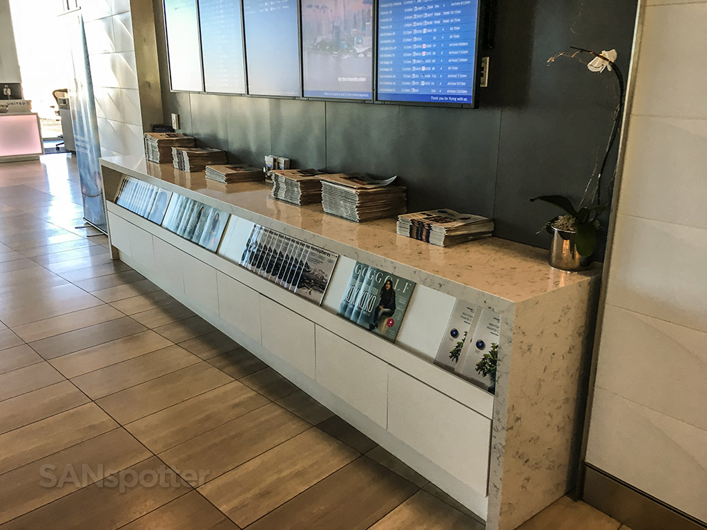 United club LAX free newspapers and magazines