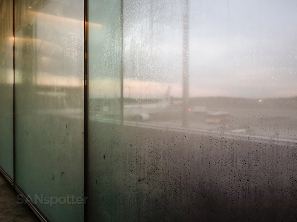 NRT Airport condensation on windows
