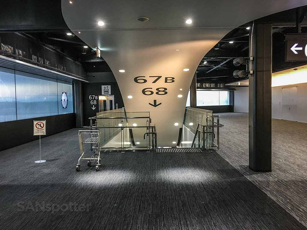 NRT Airport interior design