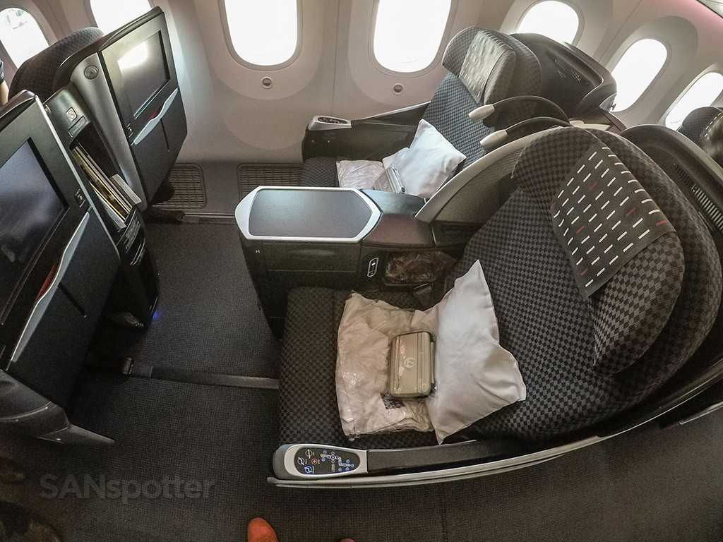 Japan Airlines 787-8 Shell Flat Neo business class seat