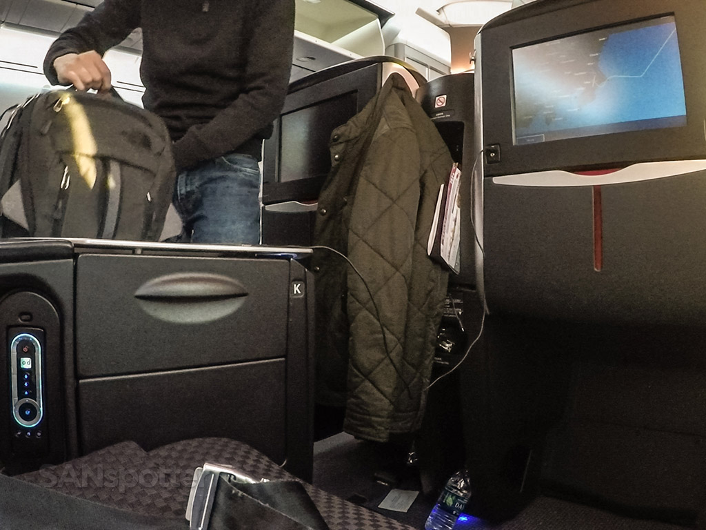 Japan Airlines 787 arrival NRT