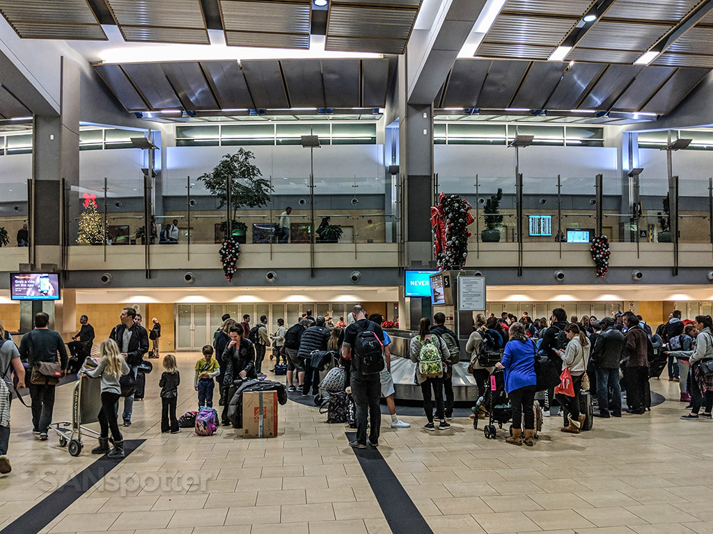San Diego airport terminal to baggage claim