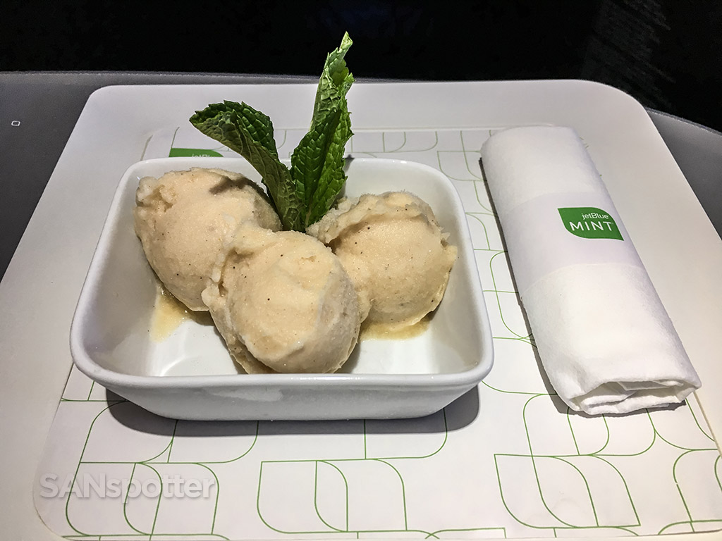 JetBlue Mint dessert