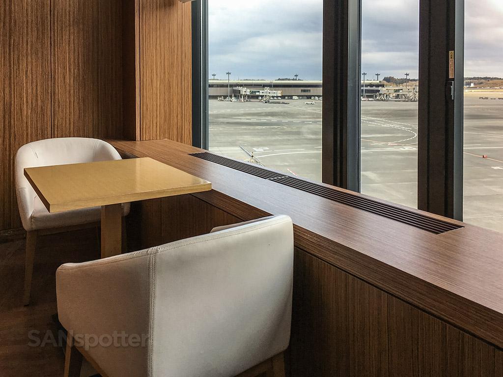 JAL Sakura Lounge seating