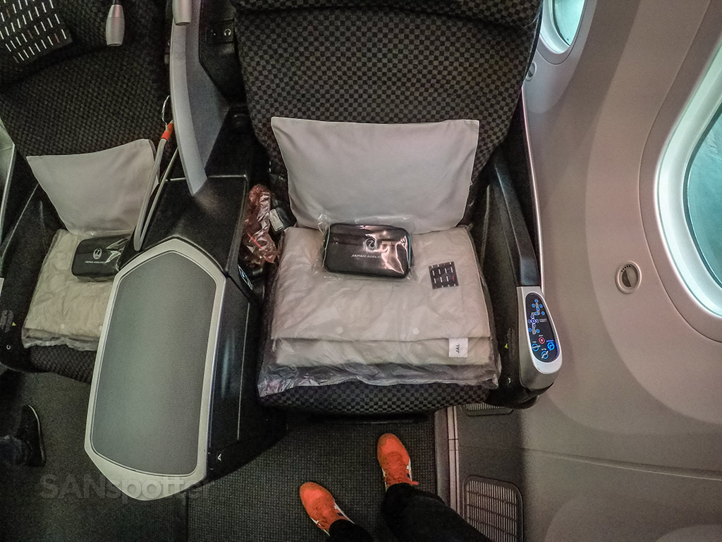 JAL amenity kits and blankets