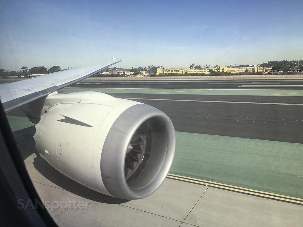 Japan airlines 787 in San Diego