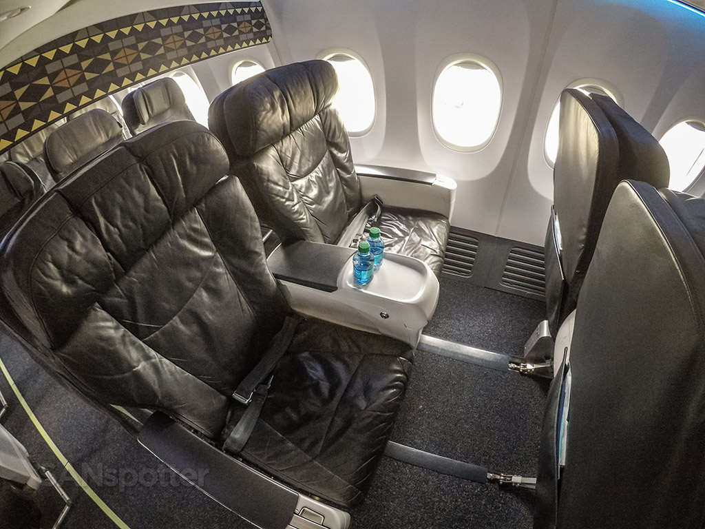 Alaska airlines 737–900 first class seats