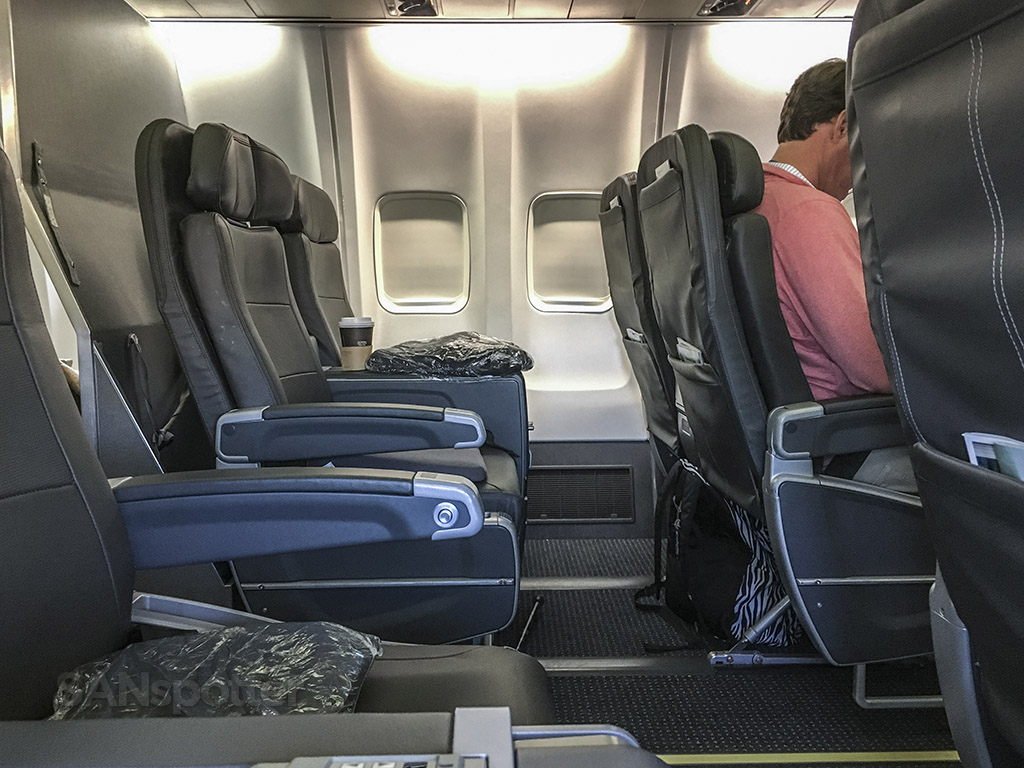 American Airlines 757 first class cabin