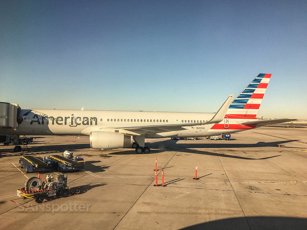 American Airlines 757 in Phoenix