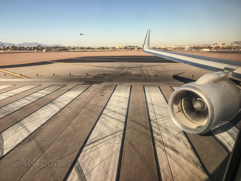 American Airlines 757 take off from PHX