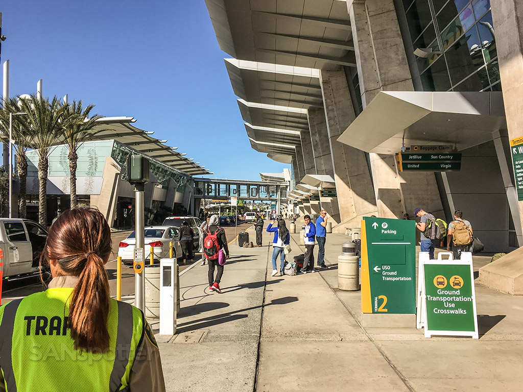 San Diego international airport arrivals level