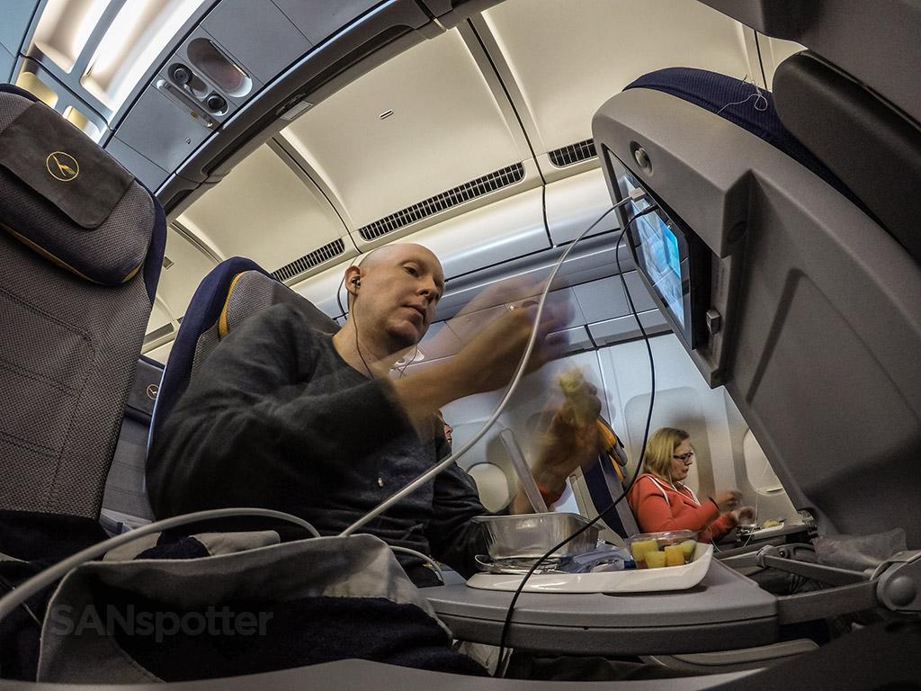 SANspotter selfie Lufthansa breakfast