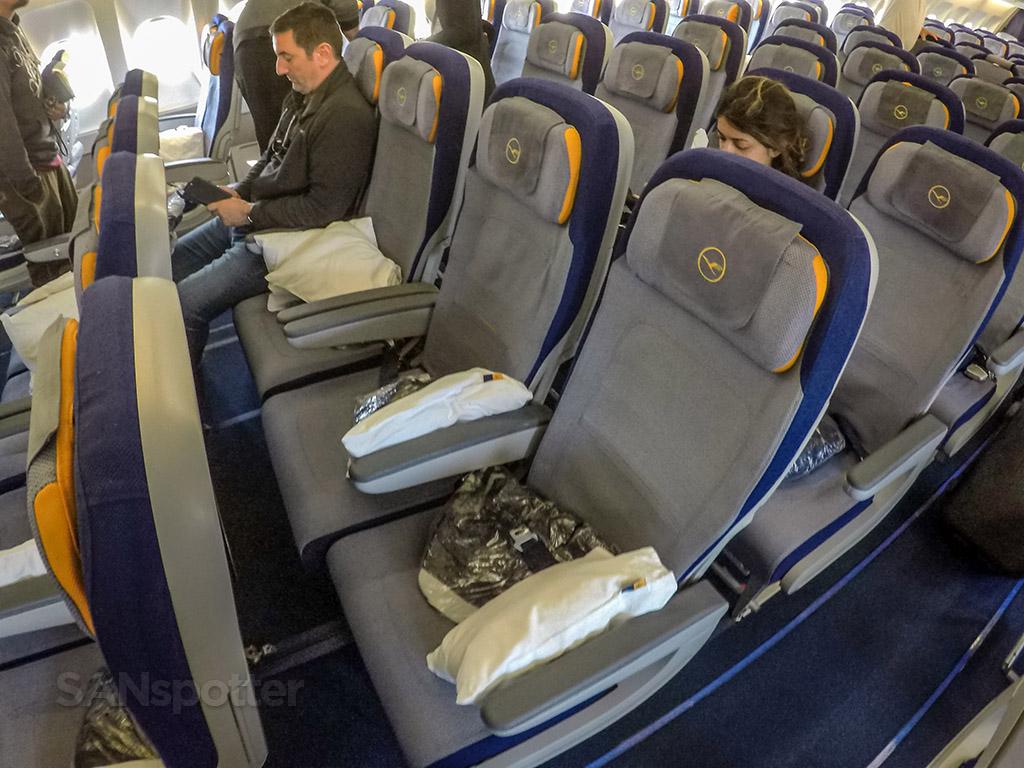 Lufthansa eeconomy class seat