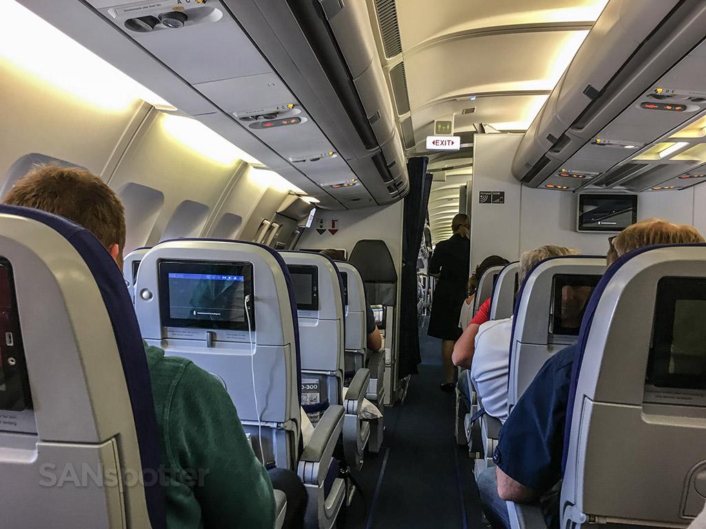 Lufthansa a340 economy class cabin