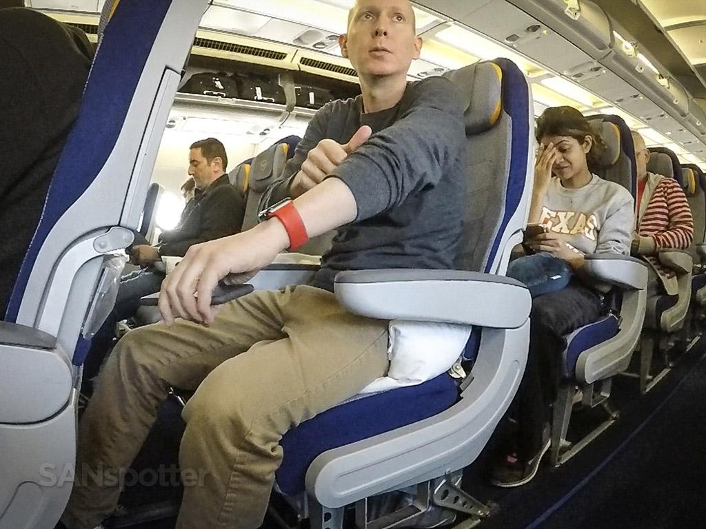 SANspotter selfie Lufthansa economy class