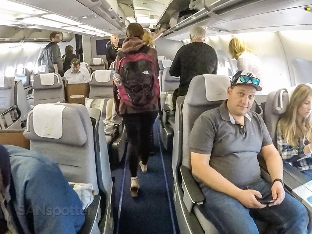 Lufthansa a340 business class