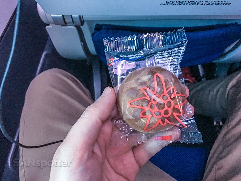 Edelweiss pre Landing snack