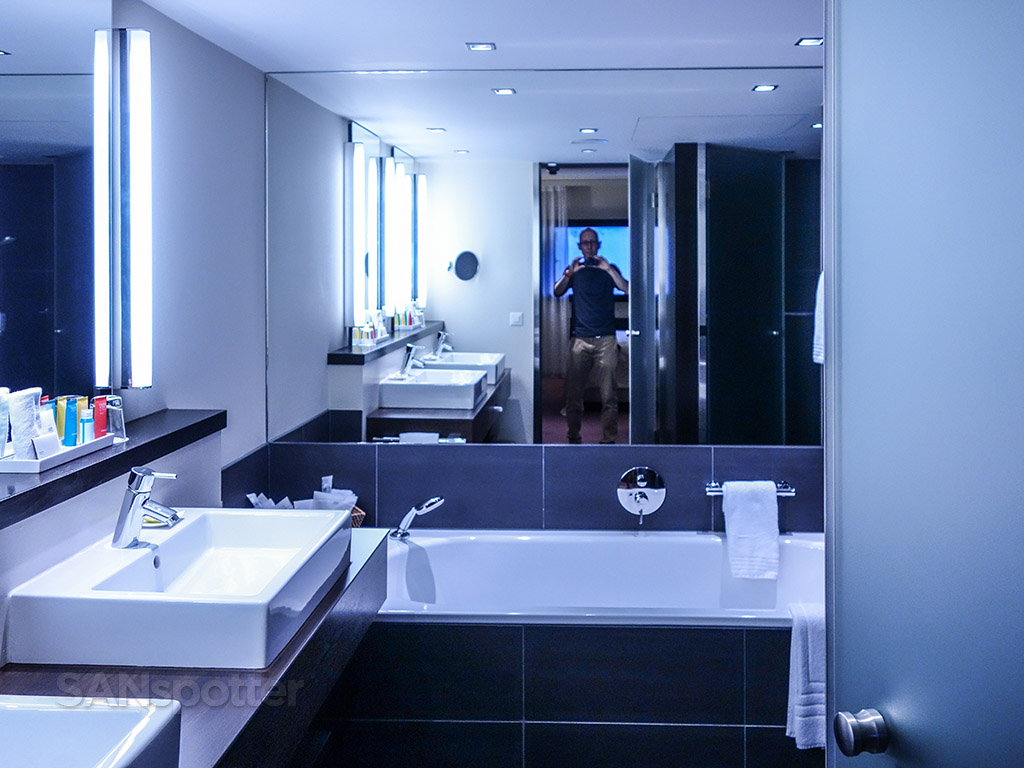 Four points Sheraton Zurich suite bathroom