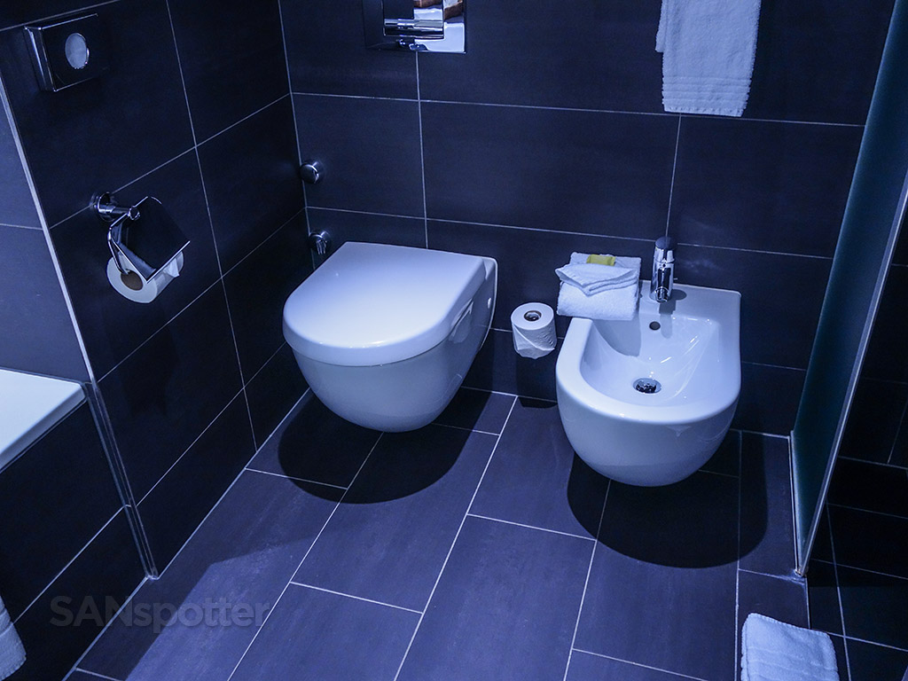 Four points Sheraton Zurich suite bathroom bidet