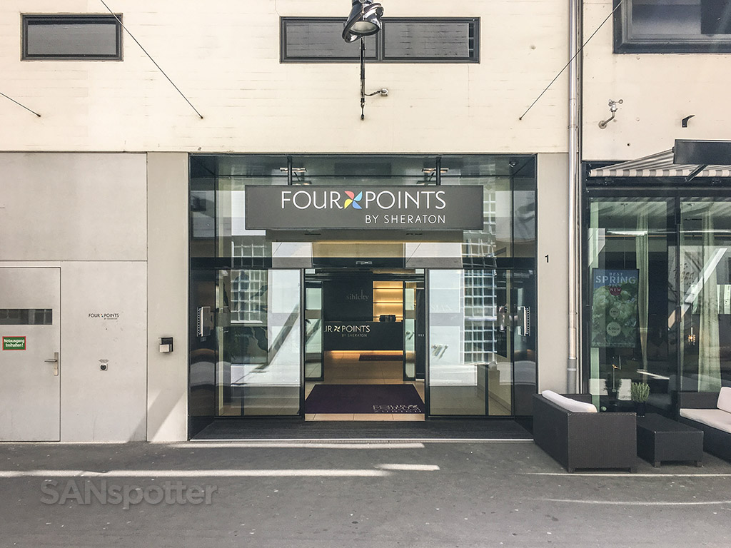 Four points Sheraton Zürich main entrance