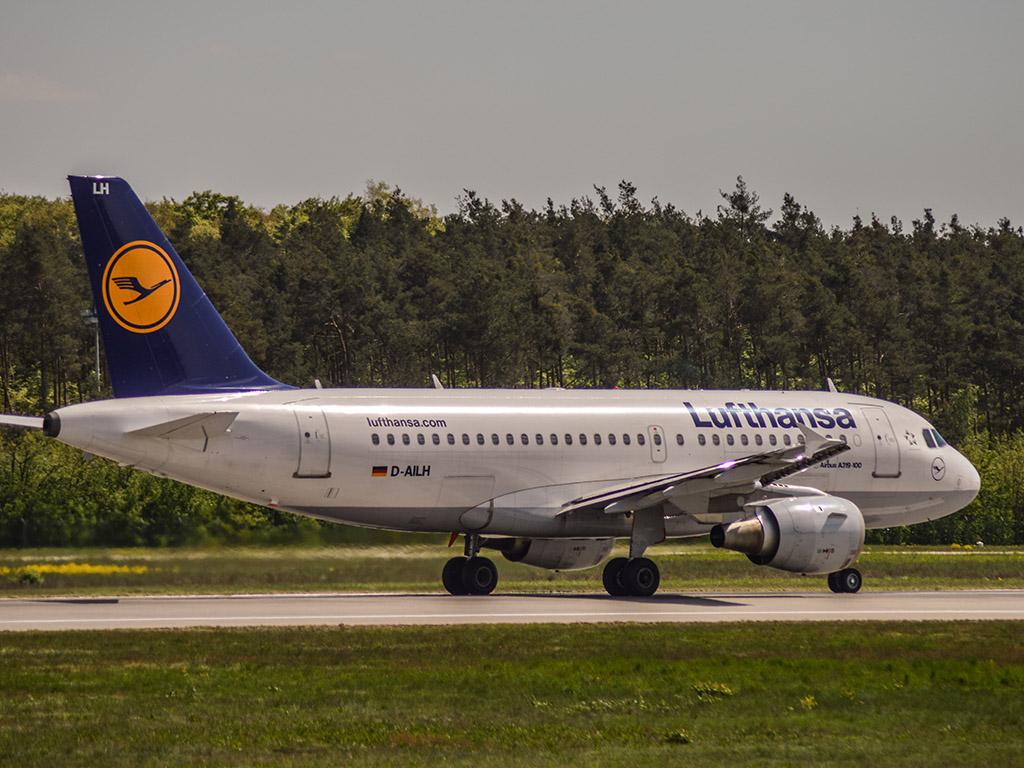 Lufthansa a319 Frankfurt airport
