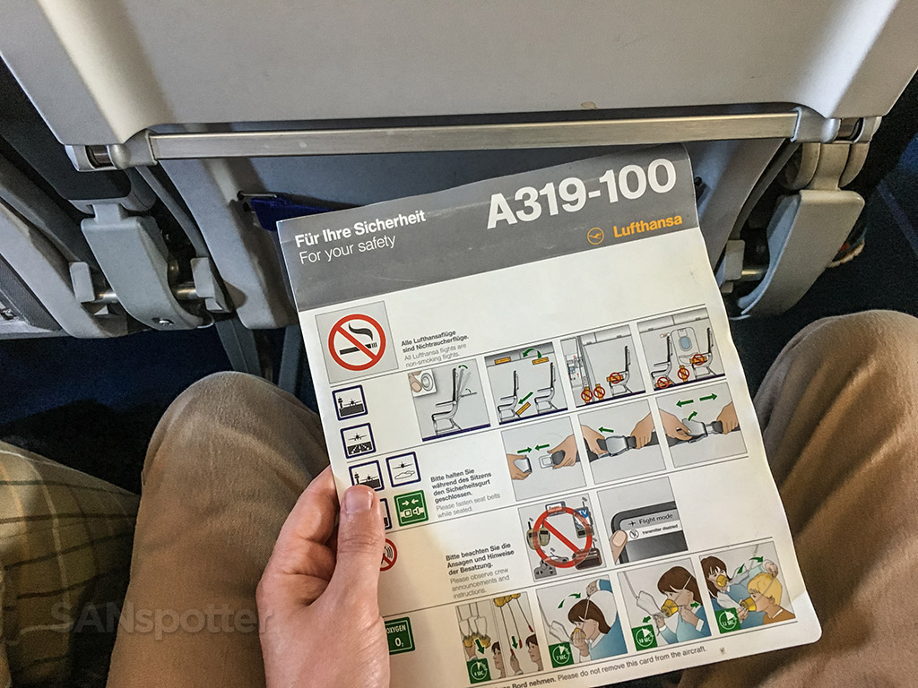 Lufthansa a319 Safety card