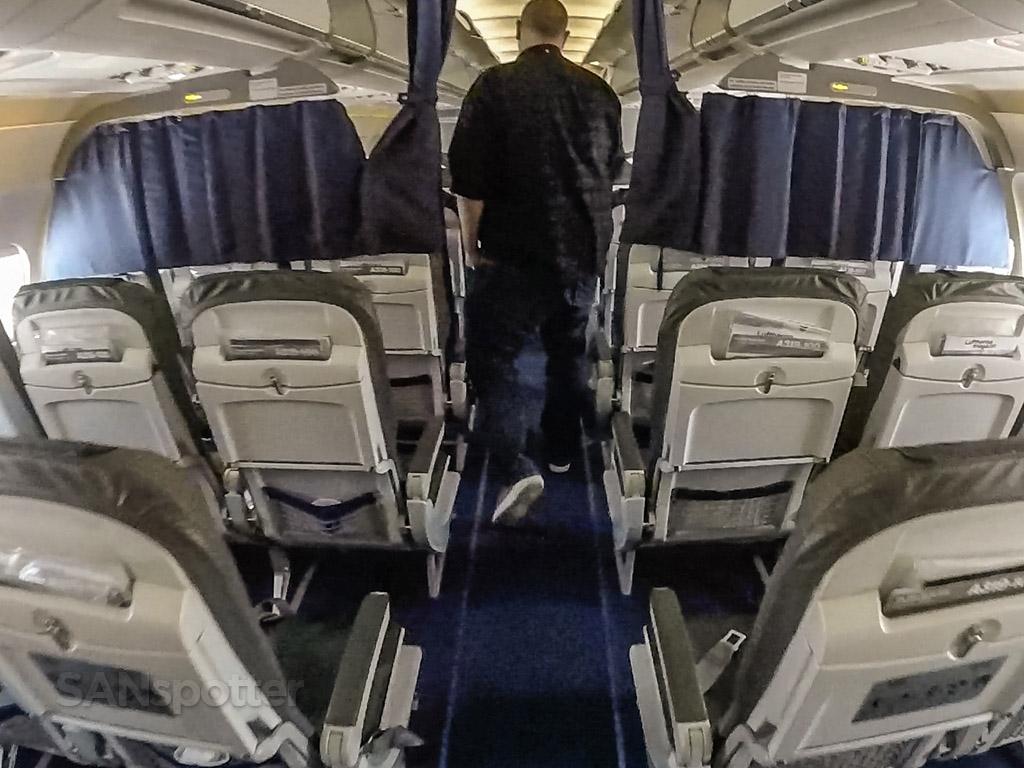 Lufthansa a319 cabin