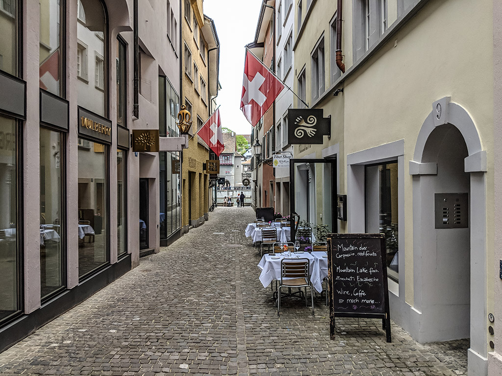 Cafés and chocolate in Switzerland