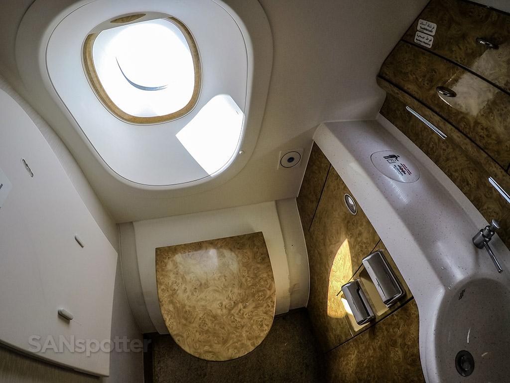 Emirates a380 lavatory