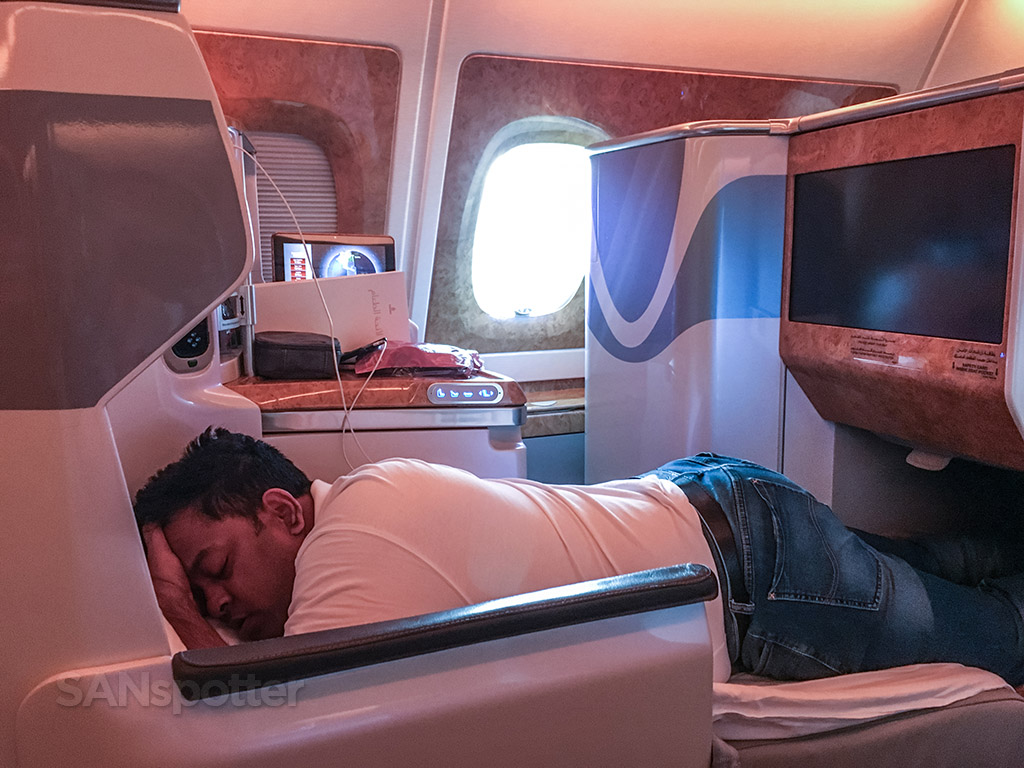 sleeping emirates business class