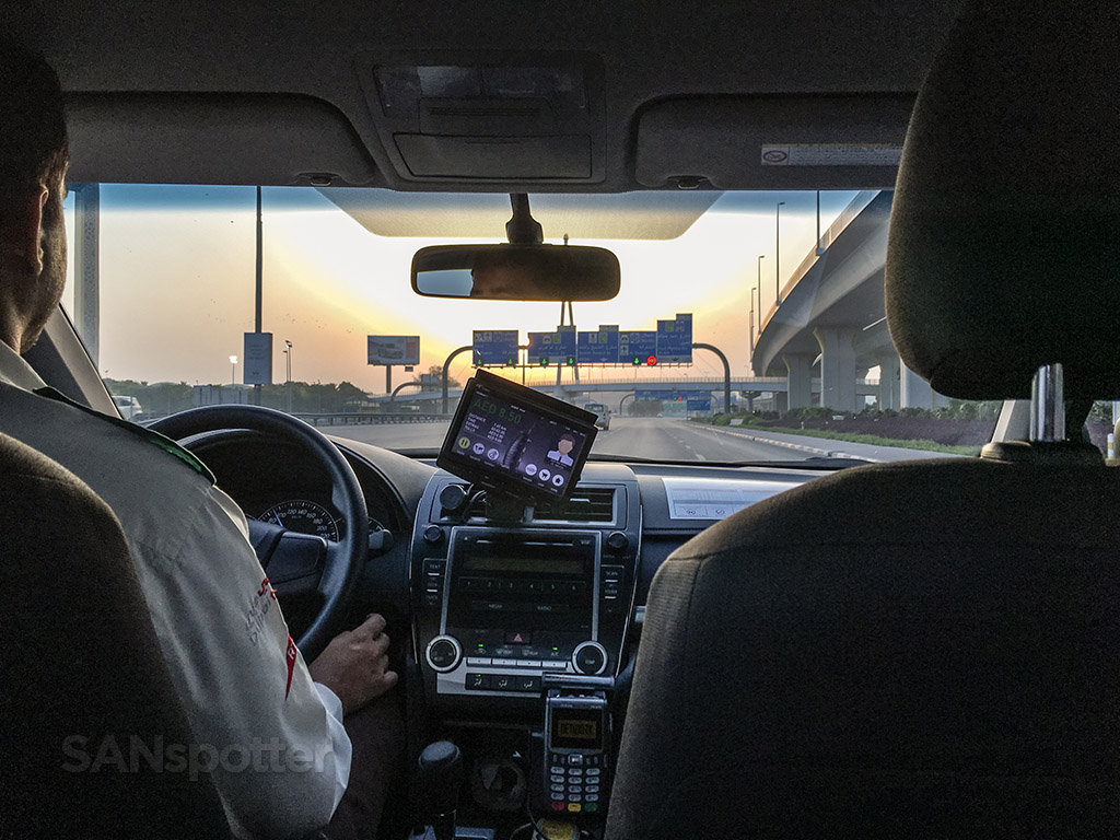 Taxi to Dubai airport