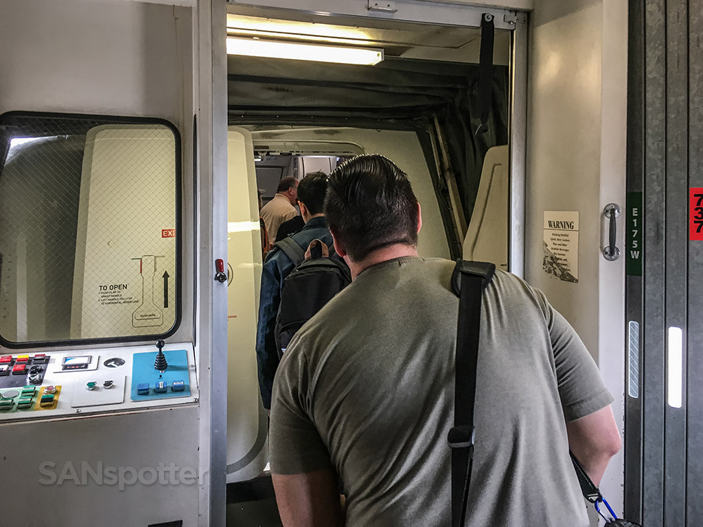 Congestion in the jet bridge boarding flight