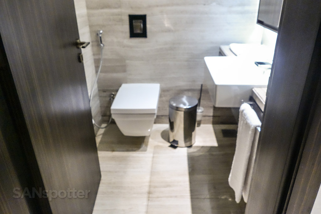 Second bathroom Sheraton grand Dubai suite