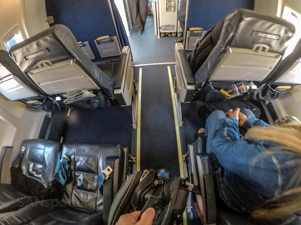 CRJ-200 aisle