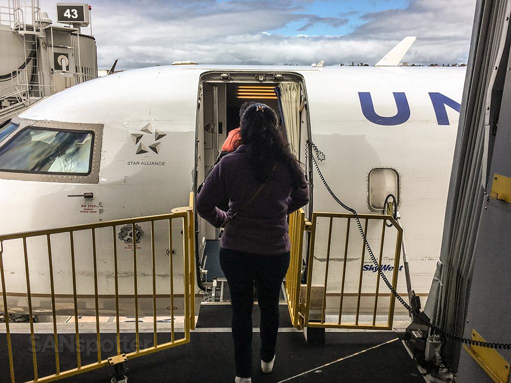 Boarding a United express CRJ-200