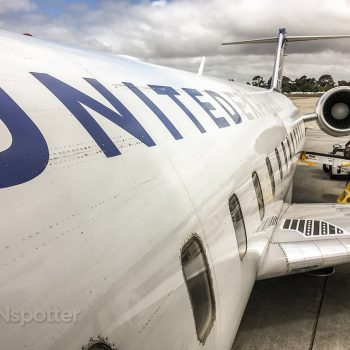 United express CRJ-200 close up