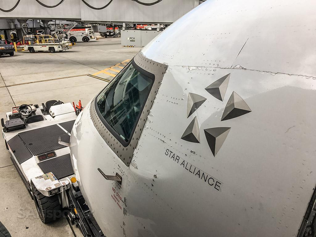 United express CRJ-200 cockpit windows