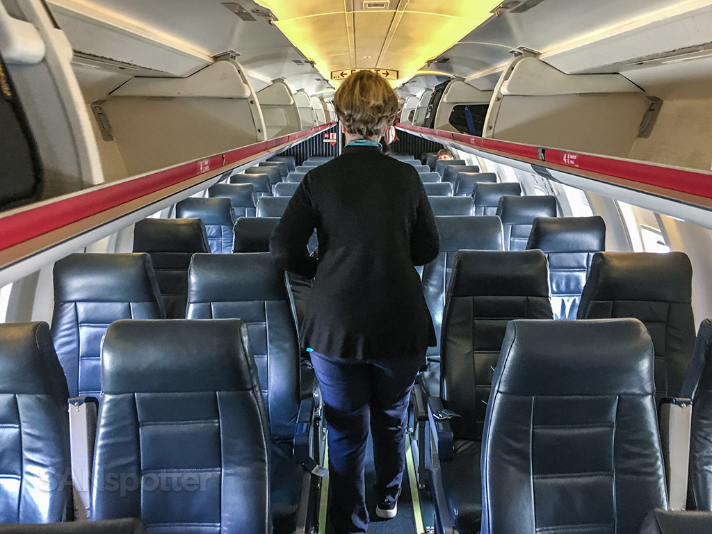 United express CRJ-200 main cabin