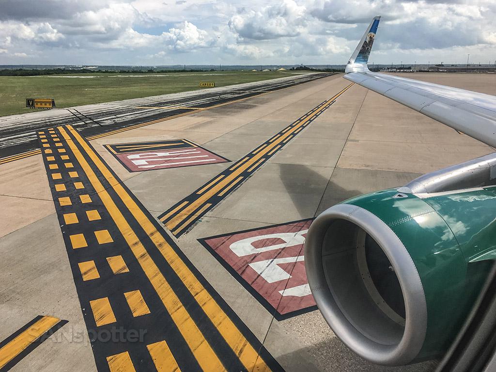 Runway 17R AUS