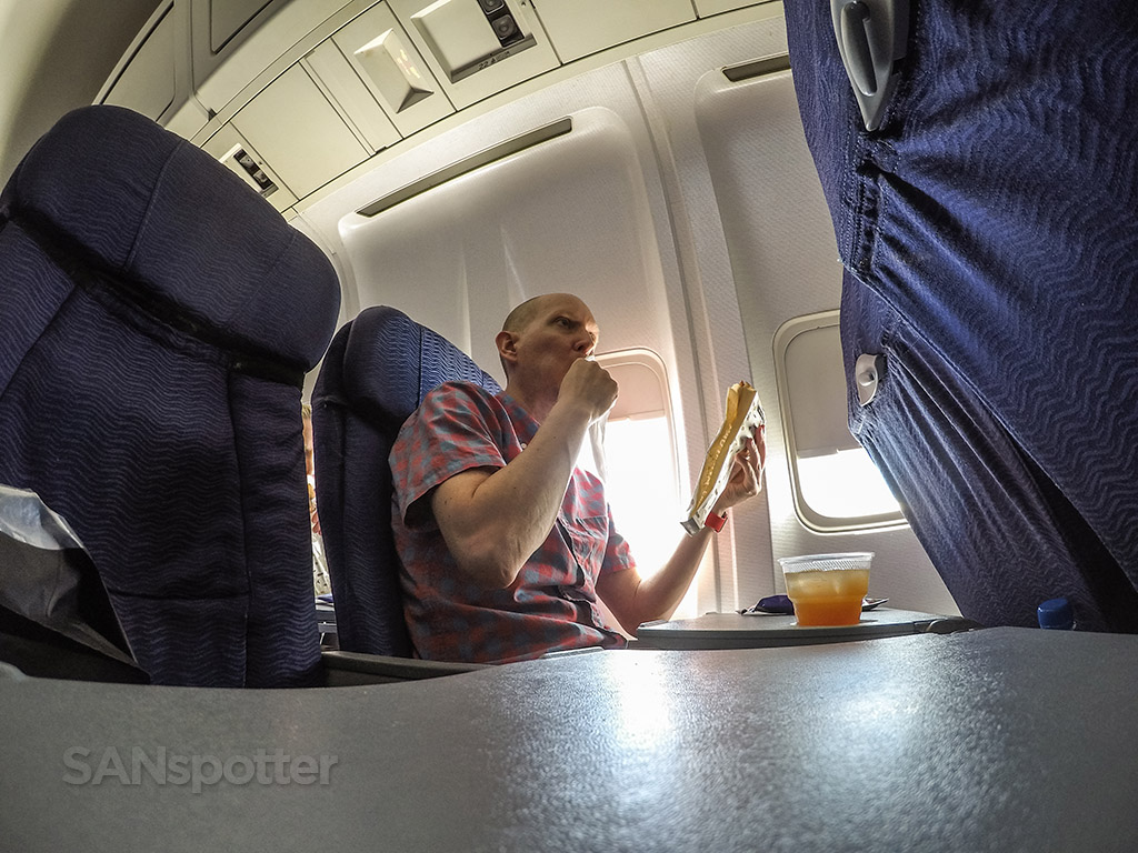 SANspotter selfie Hawaiian Airlines meal service