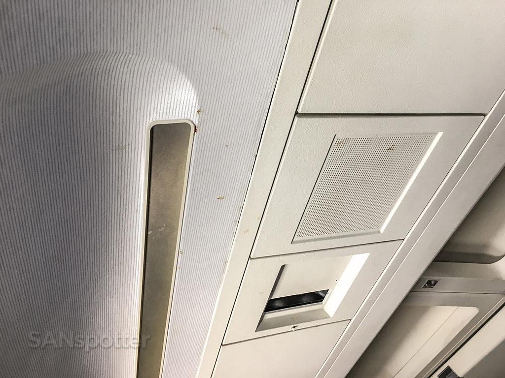 Food splattered on ceiling Hawaiian Airlines 767