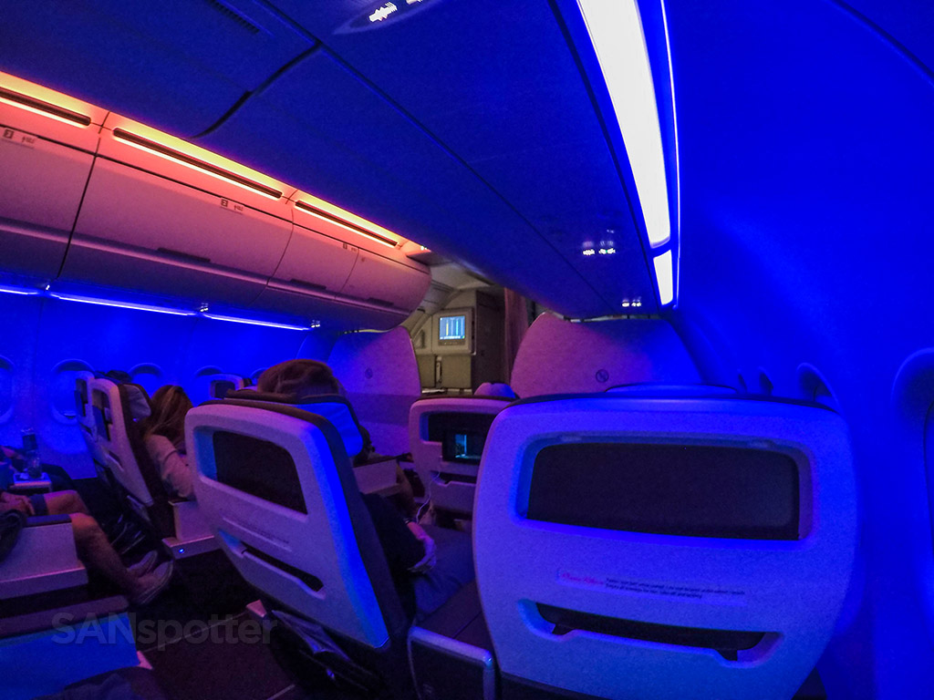 Hawaiian Airlines A321neo mood lighting